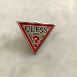 Guess 90s vintage triangle pin